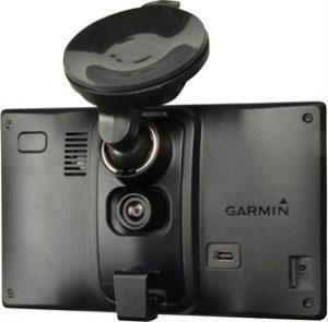 Garmin DriveAssist 51 navigaattori kojelautakameralla